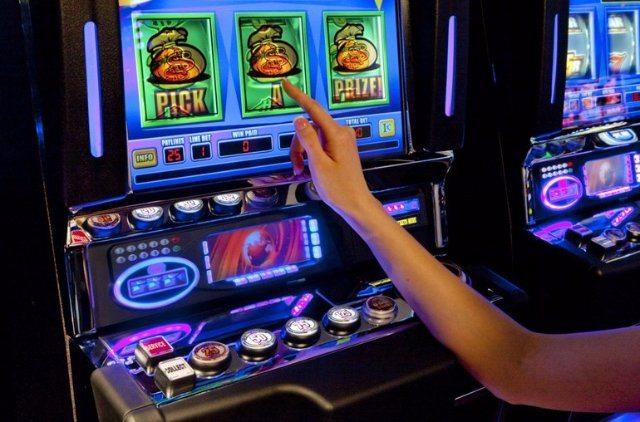 Игровые автоматы от казино Делюкс
