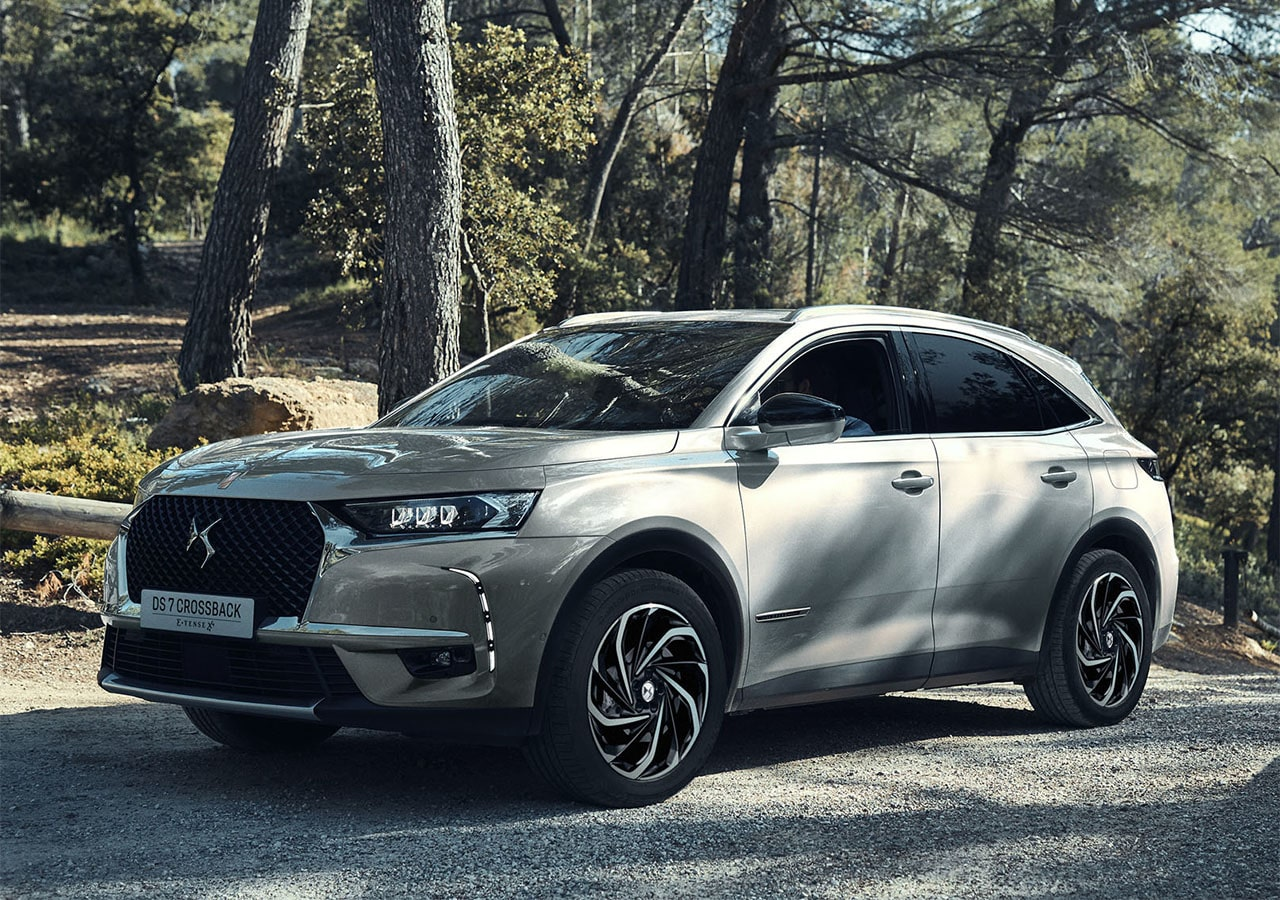 DS 7 Crossback E-Tense 4×4 2019– топовая гибридная версия DS 7 Crossback